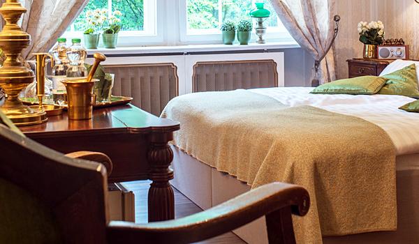 Hotel-Pension am Rüdesheimer Platz, Berlin: Doppelzimmer grün. Fotograf: William Götz